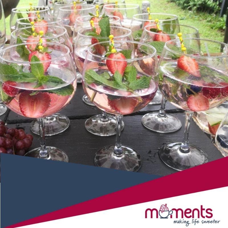 Moments gin garnishing