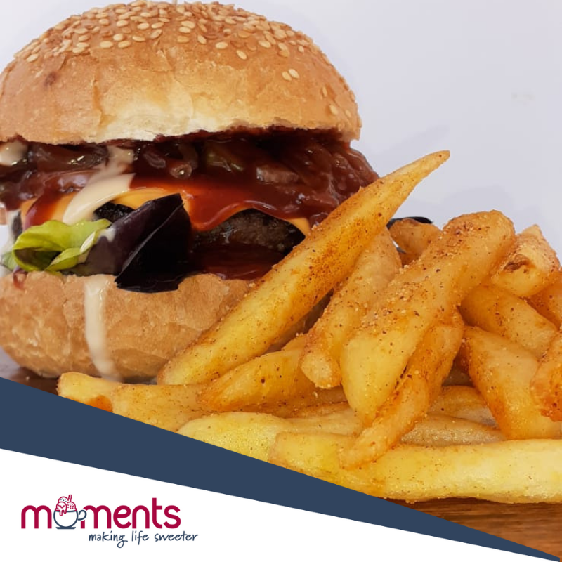 Moments-Burgers-and-chips-bar-catering
